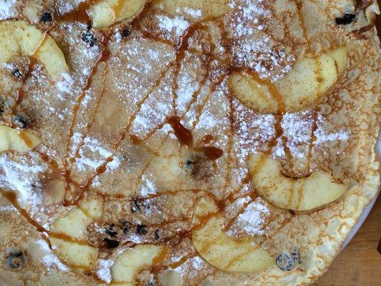 Westkapelle, Países Bajos: Pfannkuchen mit Apfel und Rosinen