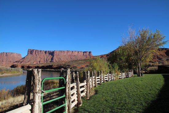 Фотография Red Cliffs Lodge