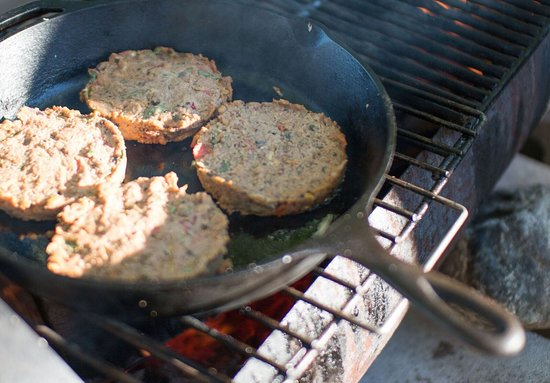 Englishtown, Καναδάς: Veggie patties on the grill