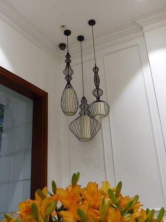 luminaire du salon d entrée de Hong Ngoc Dynastie Hotel
