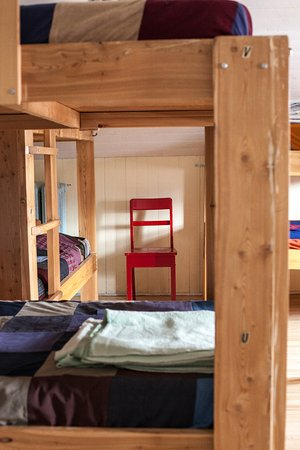 Auberge jeunesse de saguenay la maison price h tel for Auberge de jeunesse la maison price