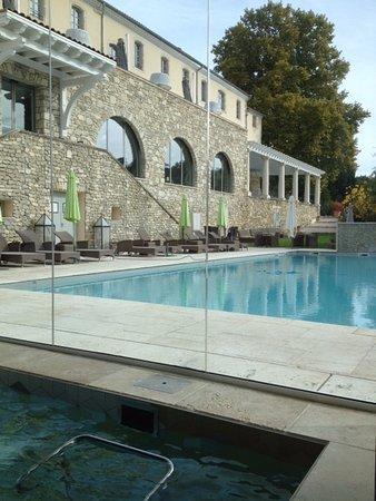 Spa et piscine exterieure