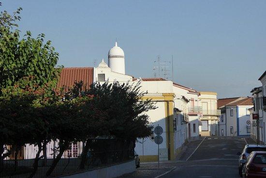 Mourao, Portugal: les curieuses cheminées ajourées de Mourâo