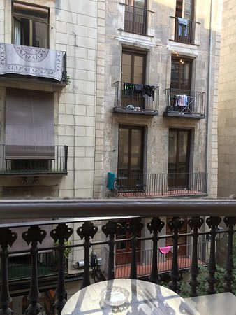 Casa Marcelo Barcelona: View from the Balcony room with the en suite bathroom