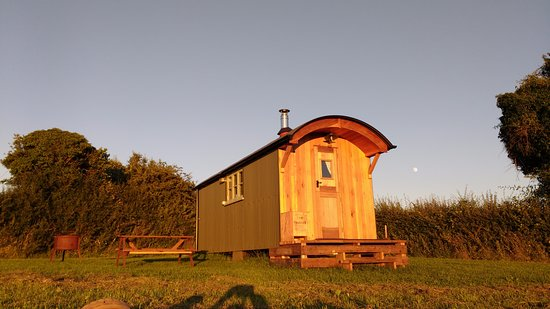 Walnut Tree Farm Camping & Bunk House: Beautiful relaxing location for your stay.