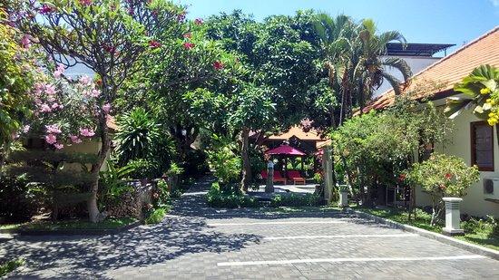 Yulia Beach Inn: IMG_20151016_113337_HDR_large.jpg