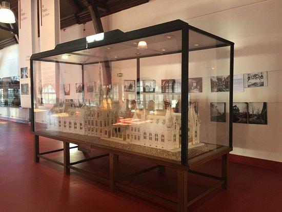 Fecamp, France: Quelques photos de l'intérieur du palais de là bénédictine. La visite n'est pas très cher. Dégus