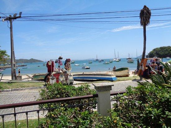 Pousada do Corsário: Desde el área de pileta, vista de la playa Dos Ossos.