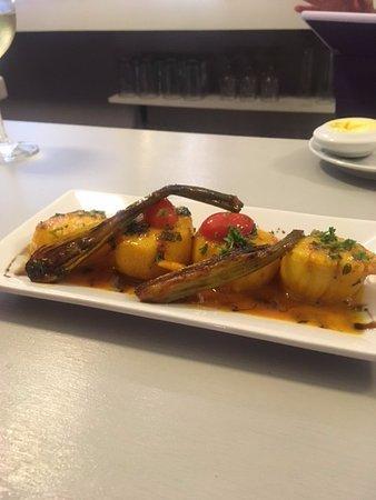 Cupecoy Bay, Saint-Martin / Sint Maarten: The Delight Scallops in orange sauce