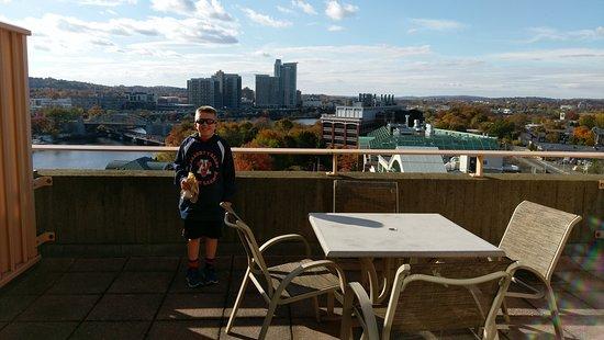 Hyatt Regency Cambridge, Overlooking Boston: IMAG6780_large.jpg