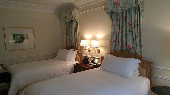 The Peninsula Beverly Hills: Double beds