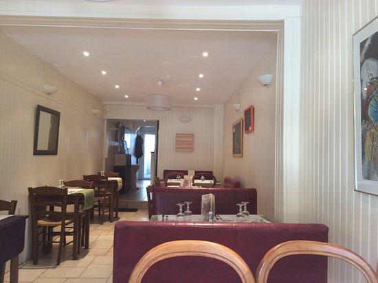 La Garenne-Colombes, Francja: Grande salle intérieure