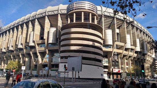 Est dio santiago bernabeu picture of stadio santiago for Puerta 53 santiago bernabeu