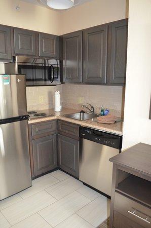 Eatontown, NJ: kitchen area