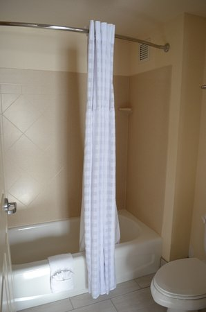 Eatontown, Nueva Jersey: Shower and tub