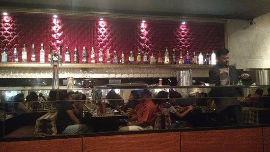Zaffran: bar counter