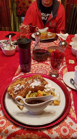 Windsor, Canada: MMM....Cinnamon French Toast!