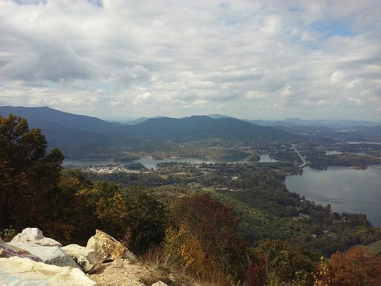 Hiawassee, Τζόρτζια: Spectacular views of surrounding mountains including Brasstown Bald. Also Lake Chatuge and Hiawa