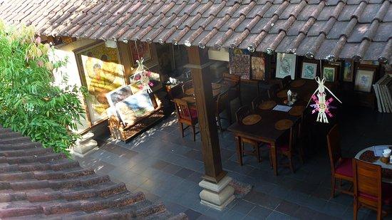 Nirvana Pension: Une des vues de notre chambre, sur la salle du petit-déjeuner