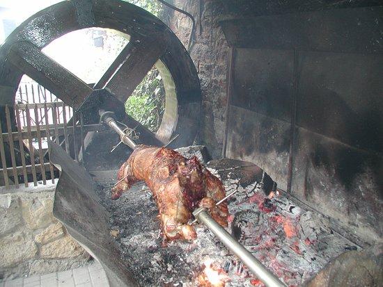 Werbach, Deutschland: Lecker Lamm vom Grill