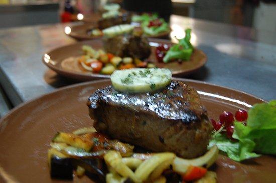 Werbach, Deutschland: Immer wieder lecker Steaks