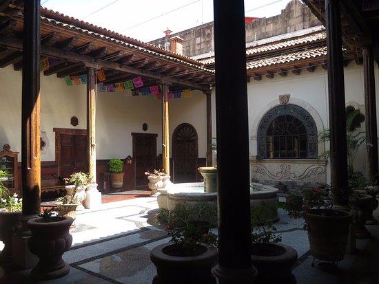 Hotel Mi Solar: Inside plaza