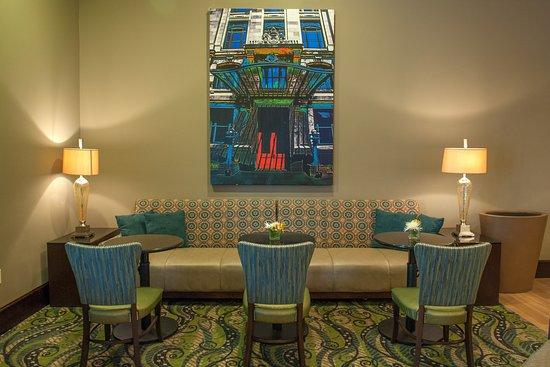 Hampton Inn & Suites New Orleans-Elmwood/Clearview Parkway Area: Lobby Seating Area