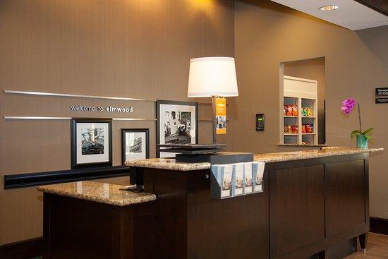 Hampton Inn & Suites New Orleans-Elmwood/Clearview Parkway Area: Front Desk