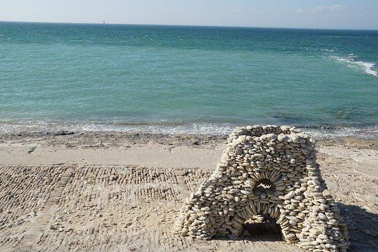 Saint Clement des Baleines, Frankrijk: l'océan, derrière la vieille tour