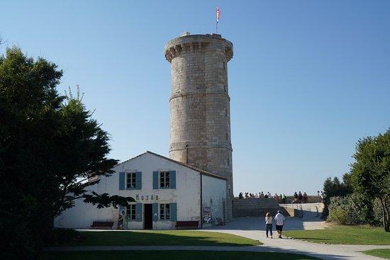 Saint Clement des Baleines, Frankrijk: derrière le phare, la vieille tour