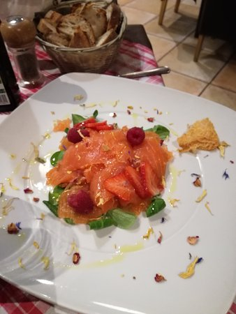 Pontassieve, Italy: Die Lachsvorspeise