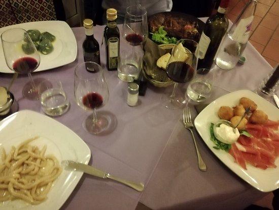 Pontassieve, Italy: Zwischen Primi und Secondi Piatti