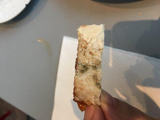 AACR Monteolivos: Pan del desayuno con moho...