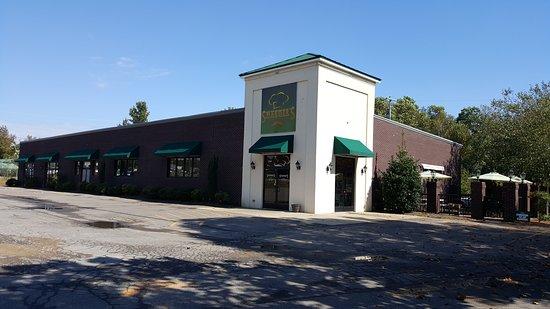 Camden, TN: Smarders Grill