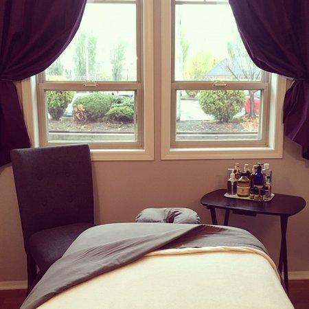 Nelson, Καναδάς: Enjoy a relaxing massage on the shores of Kootenay Lake