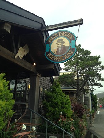 Bill's Tavern & Brewhouse: View from outside