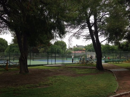 Monclova, Meksyk: Jugando tenis en Parque Xochipilli 1