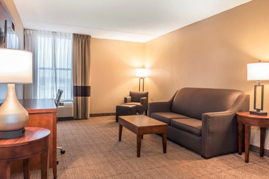 Comfort Inn: Living room in two suite