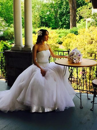 Whistling Swan Inn: A beautiful bride