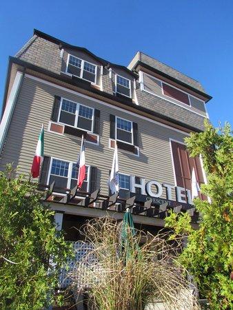 新月套房飯店照片