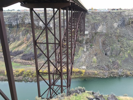 Hilton Garden Inn Twin Falls : The bridge behind the hotel, great to go see.