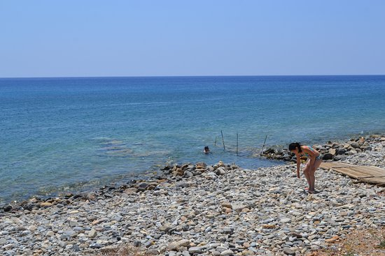 IOS Paleochora: Den egna stranden med gång ner till vattnet.
