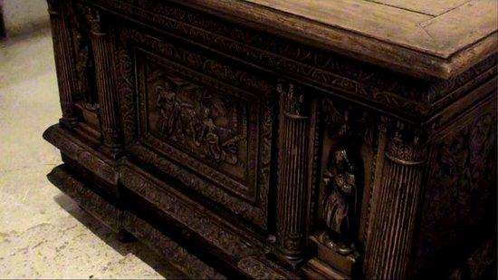 Martainville-Epreville, Francia: Très belle collection de meubles