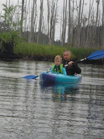 Winnabow, Carolina del Norte: Kayaking on the creek