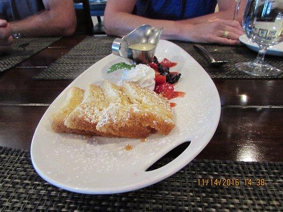 La Quinta, CA: The butter cake was excellent.