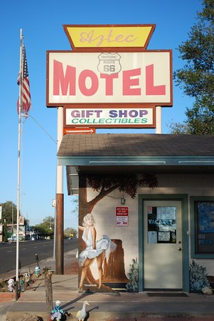 Aztec Motel & Gift Shop