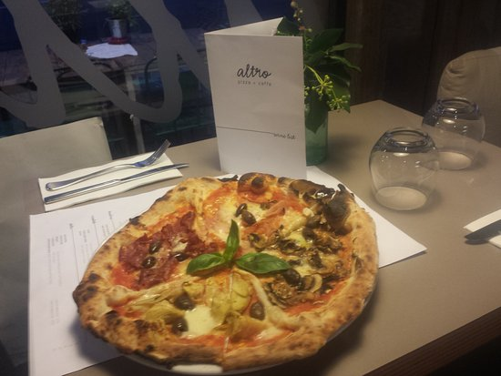 Altro Pizza & Caffe: Quatro Stagioni