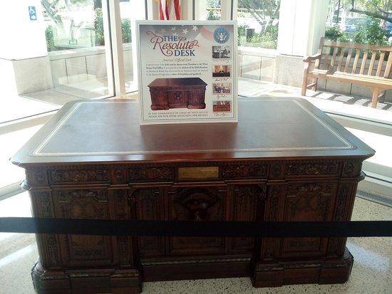 Yorba Linda, CA: Richard Nixon Presidential Library and Museum Resolute Desk