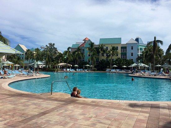 Atlantis - Harborside Resort: Harborside villas behind resort pool