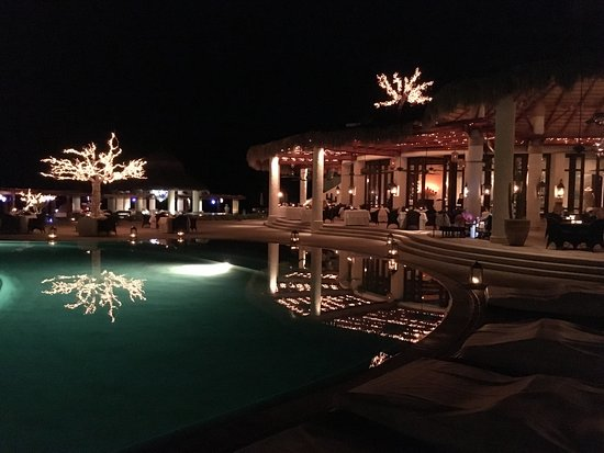 Las Ventanas al Paraiso, A Rosewood Resort: The restaurant at night